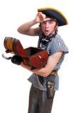 Überraschter Pirat mit einem Kabel in den Händen Lizenzfreie Stockbilder