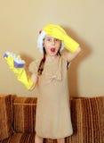 Überraschtes Mädchen im Sankt-Hut lizenzfreie stockbilder