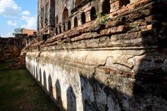 Überreste einer antiken Ziegelsteinstruktur Stockfotografie