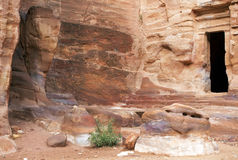 Überreste nabatean Stadt PETRA in Jordanien Stockfotos