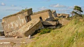 Überreste von bombardierten sovjet Bunkern auf der Küste der Ostsee bei Karosta Lizenzfreie Stockfotografie