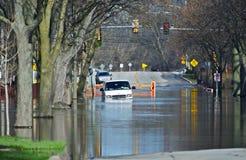 Überschwemmte Stadt-Straßen lizenzfreie stockfotografie