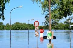 Überschwemmte Straße Lizenzfreie Stockfotografie