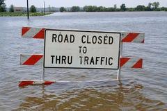 Überschwemmte Straßen zum nicht zu reisen Lizenzfreies Stockbild