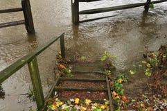 Überschwemmter Gehweg Lizenzfreies Stockbild