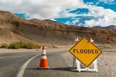 Überschwemmtes Zeichen Stockbilder
