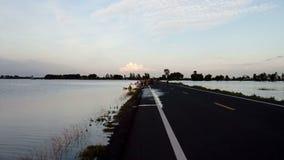 Überschwemmung der Straße stock footage