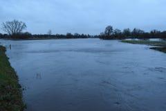 Überschwemmung des starken Regens, die streamvally vom Fluss AA ist Lizenzfreies Stockbild