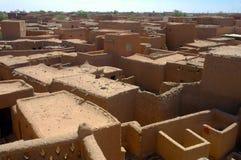 Übersehenhäuser und Gebäude in Agadez Stockfoto
