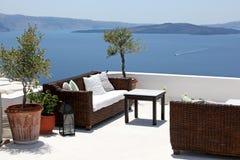Übersehenmeer der Terrasse, Oia, Santorini, Greec Lizenzfreie Stockfotos