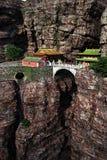 Übertragen Sie chinesisches Kloster in der Klippe Lizenzfreies Stockfoto