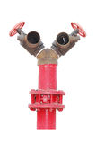Übertragen Sie von einem roten Hydranten mit Schlauch, lokalisiert auf Weiß lizenzfreies stockfoto