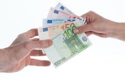 Übertragung des Geldes Stockbild