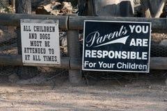 Überwachen Sie Ihre Kinder Stockfotos