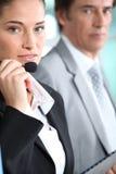, überwachend von ihrem Chef Lizenzfreie Stockfotos