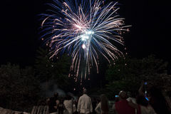 Überwachende Feuerwerke Lizenzfreies Stockbild