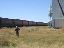 Überwachende Schienenautos ziehen aus Stockfotos