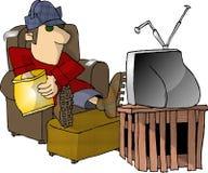 Überwachender Fernsehapparat und Essen der Imbisse lizenzfreie abbildung