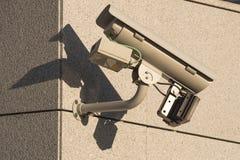 Überwachungskamera auf der Wand Stockfoto