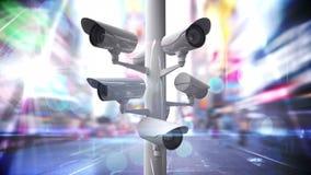 Überwachungskameras über einer verkehrsreichen Straße vektor abbildung