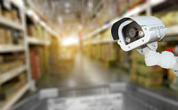 Überwachungskamerasystemsicherheit im Einkaufszentrumsupermarkt-Unschärfeba Lizenzfreies Stockfoto