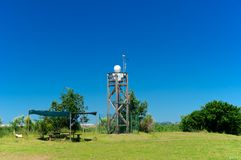 Überwachungssystemkameras auf einem Turm, Italien Stockfotografie