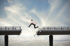 Überwinden Sie die Schwierigkeiten Stockfotos