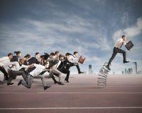 Überwinden Sie und erzielen Sie Erfolg Lizenzfreie Stockfotografie