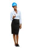 Überzeugte Afroamerikanerfrauen-Architektenganzaufnahme Stockbilder