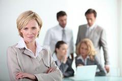 Überzeugte Geschäftsfrau lizenzfreies stockfoto