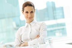 Überzeugte Geschäftsfrau Stockfotografie