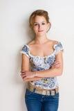 Überzeugte junge blonde Frau. Lizenzfreie Stockbilder