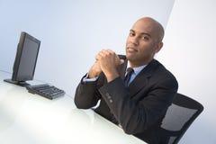 Überzeugter Geschäftsmann stockfoto