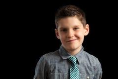 Überzeugter Junge in der Bindung Lizenzfreies Stockfoto