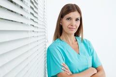 Überzeugter weiblicher Zahnarzt In Clinic lizenzfreies stockbild