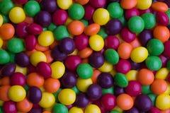 Überzogene mehrfarbige Süßigkeit Lizenzfreie Stockfotos