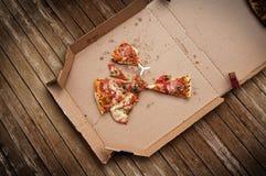 Übrig gebliebene Pizza stockbild