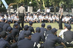 Übungs-Sicherheits-Einheit befehligt das Polizeihauptquartier, das in Surakarta errichtet Lizenzfreie Stockfotografie