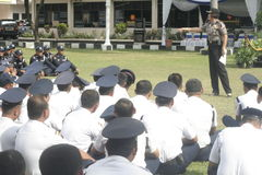 Übungs-Sicherheits-Einheit befehligt das Polizeihauptquartier, das in Surakarta errichtet lizenzfreies stockfoto