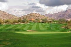 Üppiger Golfplatz Stockbilder