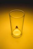 Ćma w szkle z promieniem światła pojęcie Fotografia Stock