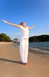 ćwiczenie plażowy relaks Obrazy Royalty Free