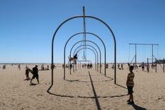Ćwiczenie przy Snata Monica plażą Fotografia Royalty Free