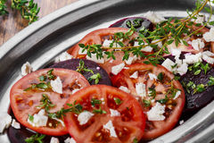 Ćwikłowa sałatka z pomidorami zdjęcie royalty free