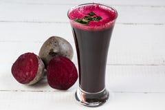 Ćwikłowy sok dieta soków warzywa Świeży ćwikłowy sok zdjęcia royalty free