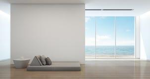 Łóżko w dennym widoku wnętrzu nowożytny plażowy dom Obrazy Stock