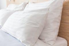 Łóżko w Pokój hotelowy Fotografia Stock