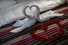 Łóżko z ręcznikami Zdjęcia Stock