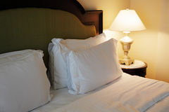 łóżkowe poduszki Obrazy Royalty Free
