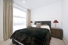 łóżkowego sypialni kopii królewiątka nowożytny rozmiar obraz royalty free